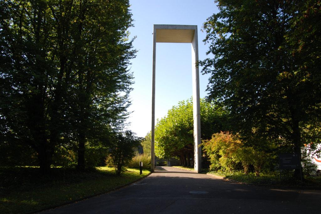 Eingangstor zum Friedhof Liebenfels