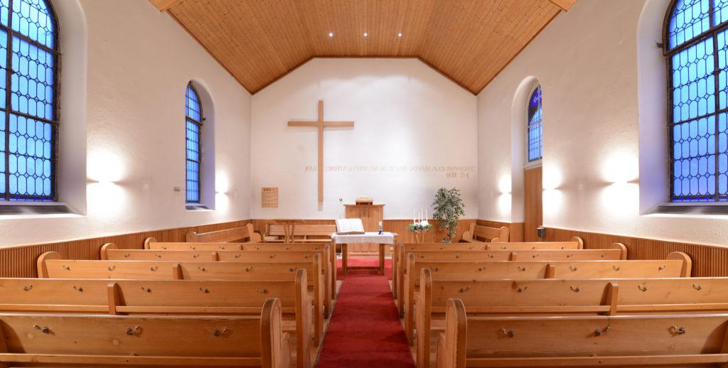 Die Kapelle bietet für 100 Personen Plätze an.